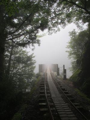 霧のトロッコ道20111027k