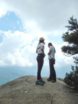 白谷雲水峡 風の気持ちよい太鼓岩