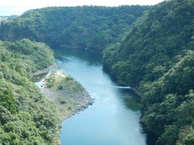 松峰大橋から安房川を望む