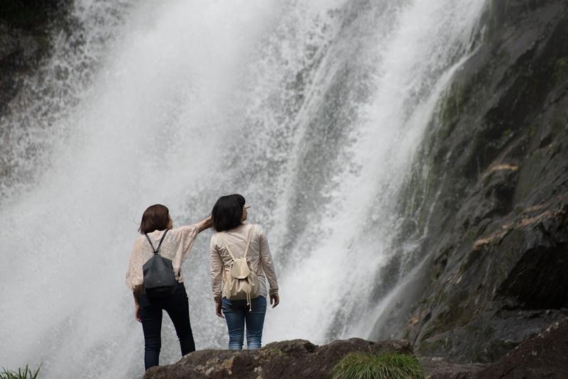 大川の滝にも立ちよりました。